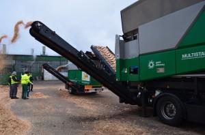 testy maszyn multistar l3 stonefex komptech agrex-eco doczyszczanie biomasy paliwo separator kamieni przesiewacz gwiaździsty